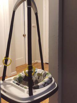 Graco doorway Jumper for Sale in Seattle,  WA