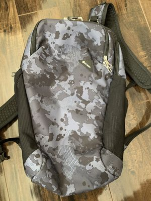 Pacsafe Vibe 20L Anti-Theft Backpack for Sale in Sloan, NV