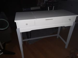 Beauty vanity for Sale in Fredericksburg, VA
