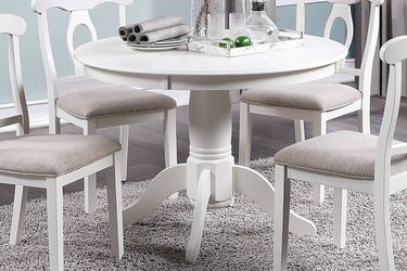 Table Round 4 chairs for Sale in Fullerton,  CA