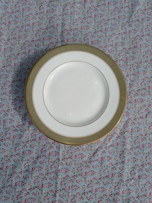 Royal Doulton Bone China for Sale in Deville, LA