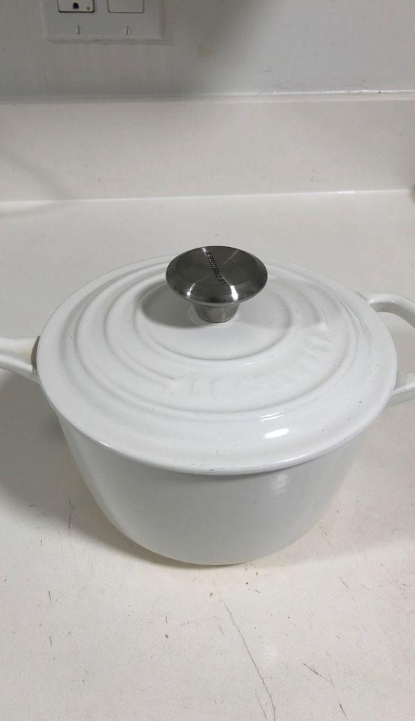 white le creuset signature saucepan