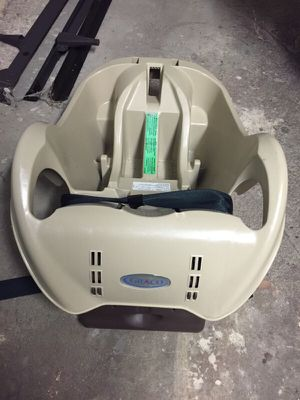 Graco car seat base for Sale in Chelsea, MA