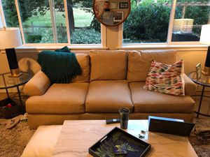 7foot Couch- Bernhardt with down filled cushions! for Sale in Bothell, WA