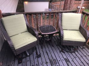 Free- outdoor patio set for Sale in Seattle, WA