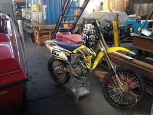 450 dmz dirt bike for sell all race out bike nothing on it is stock for Sale in Alameda, CA