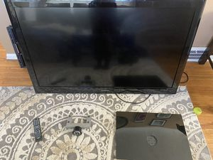 Insignia 55 inch LCD tv for Sale in Cleveland, OH