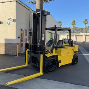 Calapillar Forklift for Sale in Los Angeles, CA