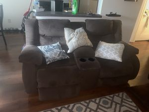 Living room set and bedroom set for Sale in Germantown, MD