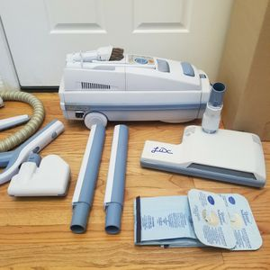 NEW cond ELECTROLUX LUX LAGACY MODEL VACUUM WITH COMPLETE ATTACHMENTS, AMAZING POWER SUCTION, WORKS EXCELLENT, IN THE BOX for Sale in Auburn, WA