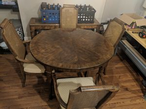 Kitchen table and 6 chairs for Sale in Pittsburgh, PA