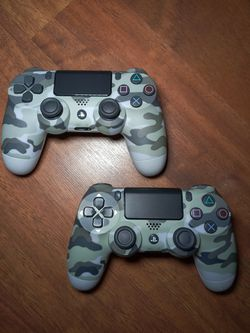 Ps4 Controllers Gray Camo for Sale in Houston, TX