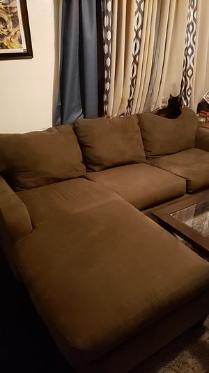 Cindy Crawford L Sectional Pull Out Couch for Sale in Tampa, FL