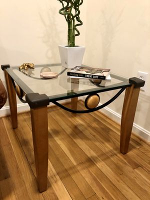 Set of coffee table and side tables for Sale in Wheaton, MD