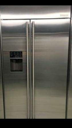 Electrolux Icon professional side by side refrigerator for Sale in Phoenix, AZ
