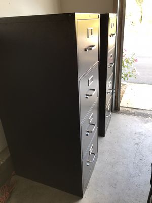 $175 obo set of metal black HDN filing cabinets with a lock (keys NOT included) for Sale in Palmdale, CA