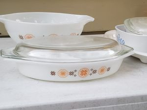 Mid century vintage Pyrex divided dish and serving bowl for Sale in Orlando, FL