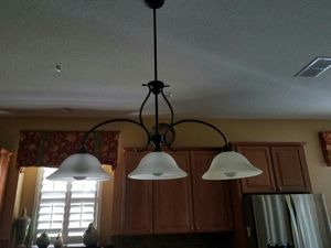 Three head light fixture for Sale in Orlando, FL