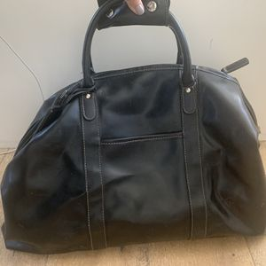Large Leather Duffle Bag for Sale in Seal Beach, CA