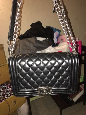 AUTHENTIC CHANEL BOY BAG for Sale in Dallas, TX