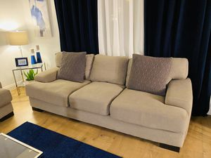 Modern Style Couches (Living Spaces) for Sale in West Covina, CA