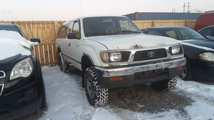 Toyota Tacoma clean truck for work for Sale in Brecksville, OH