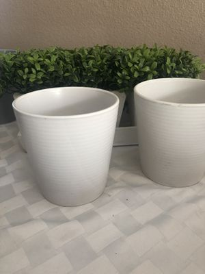 Pair of Planters for Sale in Corona, CA