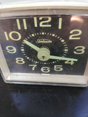 Clock Sunbeam table bedroom Alarm Works for Sale in Cleveland, OH
