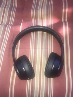 Beats Solo 3 Bluetooth Headset for Sale in Brockton,  MA