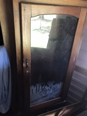 Glass gun cabinet for Sale in Uvalda, GA
