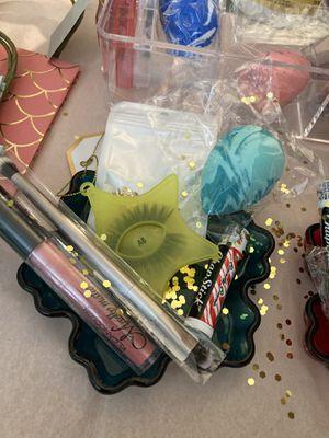 Makeup bundles for Sale in La Puente, CA