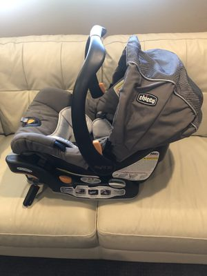 Chicco infant car seat with base for Sale in Pleasant Grove, UT