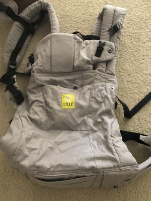 Lille Baby 6 positions carrier at heavily discounted price for Sale in Maryland Heights, MO