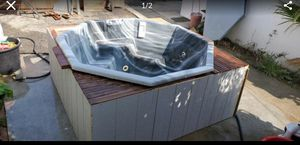 Small jaquzzi hot tub for Sale in Ontario, CA