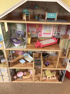 Kidcraft dollhouse for Sale in Lombard, IL