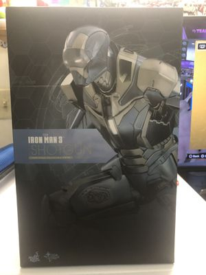Hot Toys Iron Man Shotgun 1/6 Figure for Sale in Brooklyn, NY