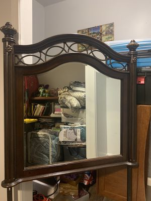 Dresser Mirror for Sale in Stoughton, MA