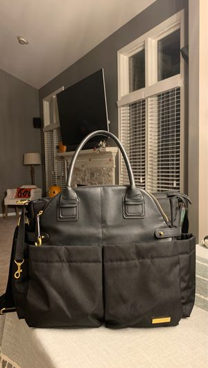 Diaper bag skip hop for Sale in Utica, MI