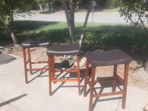 3 bar stools for Sale in Wichita, KS