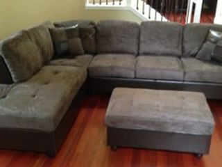 Gray Microfiber Sectional Couch And Ottoman for Sale in SeaTac,  WA