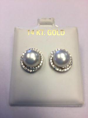 14k pearl Diamond earrings for Sale in Miami, FL