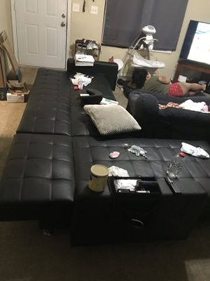 Leather couch sectional for Sale in Kennesaw, GA