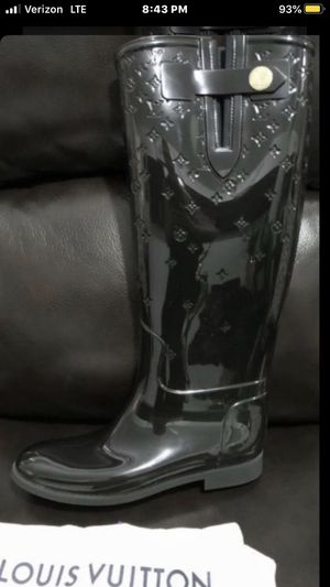 NEW AUTHENTIC LOUIS VUITTON TALL BOOTS for Sale in Escondido, CA