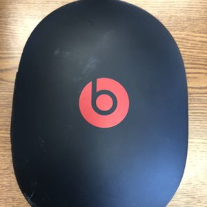 White Beats solo 3 Wired Headphones for Sale in Carol Stream, IL