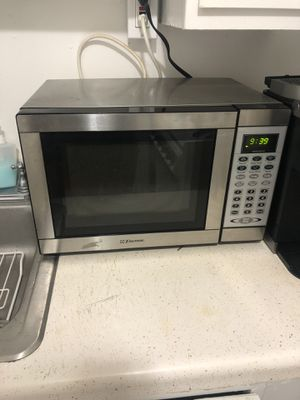 Small microwave for Sale in Tampa, FL