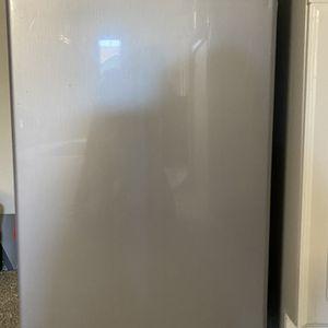 Brand New Refrigerator - Magic chef mini refrigerator for Sale in Fremont, CA