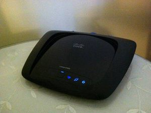Like New Cisco Linksys Wireless WIFI Router for Sale in Los Angeles, CA