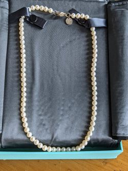 Tiffany & Co Pearl Necklace for Sale in Seattle,  WA