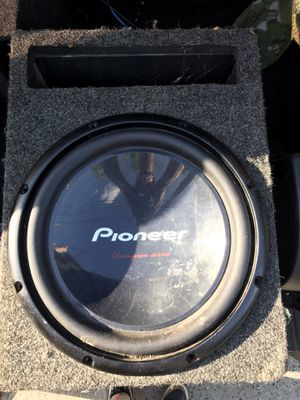 Pioneer Championship Series Subwoofer 1400 watt max for Sale in The Bronx, NY