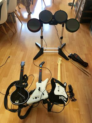 Guitar hero band set for Xbox 360 for Sale in San Francisco, CA